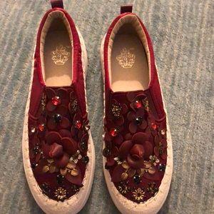 Cute burgundy shoes NEW
